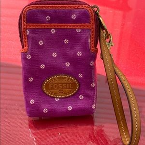 Fossil beautiful wristlet with leather straps